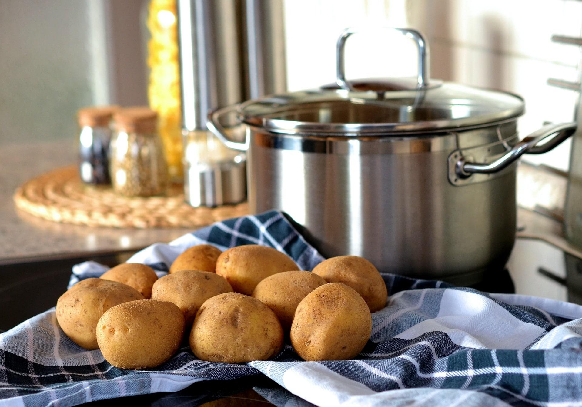 Cuisson des pommes de terre à la cocotte minute